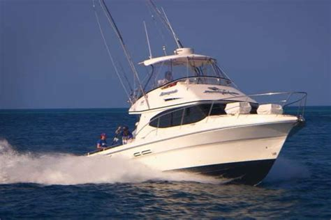 what charter boat fishing charters mackay qld airlie beach fishing travelogue 2013 episode 7