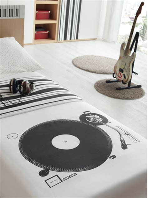 music bed hopskoch feel the music