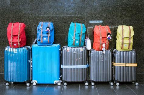 come portare un in aereo cosa mettere nel bagaglio a mano quando si viaggia in aereo