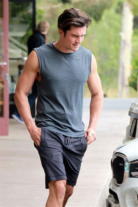 orlando bloom easy orlando bloom does some heavy lifting at the gym tom