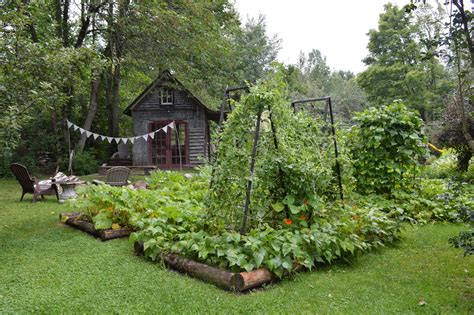 Beautiful Vegetable Gardens Content In A Cottage Beautiful Vegetable Gardens