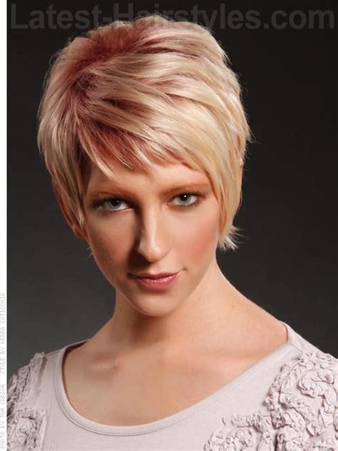 pixie cut covering ears with bangs стрижки и причёски для полных женщин 2016 82 фото