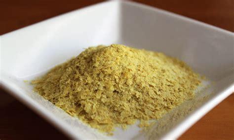 lievito alimentare lievito alimentare in scaglie e la ricetta veg parmigiano
