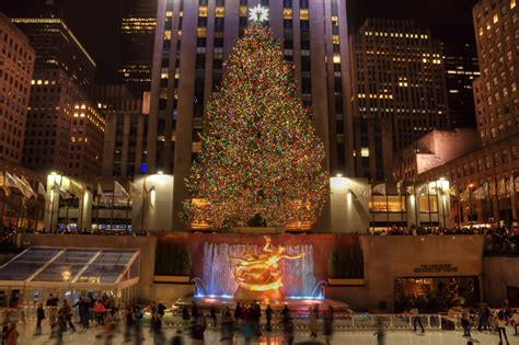 details on tonight s 83rd annual rockefeller christmas