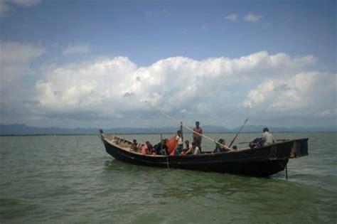 missing refugee boat scores missing as bangladesh refugee boat sinks naharnet
