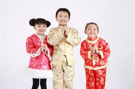 new year greeting gesture new year lai see etiquette hong kong tatler