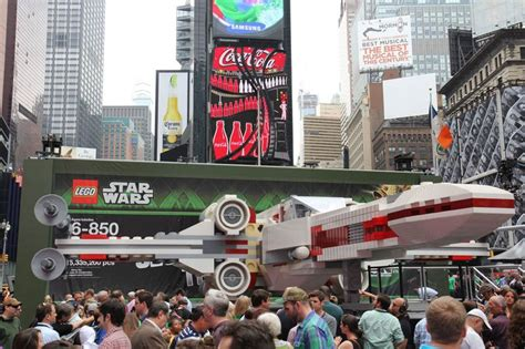 800 Square Feet In Meters by World S Largest Lego Model Is A 5 3m Piece X Wing