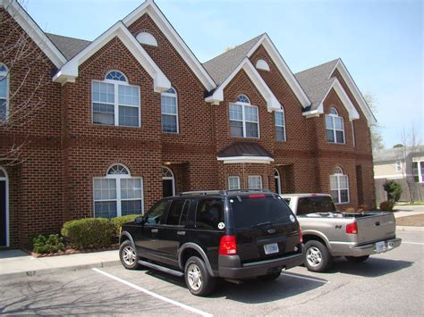 3 bedroom condos in virginia beach condo rentals in virginia beach zachary place jacobs