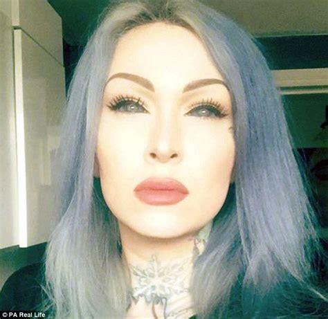 eyeball tattoo photos hot london tattoo artist risks blindness to get her eyeballs