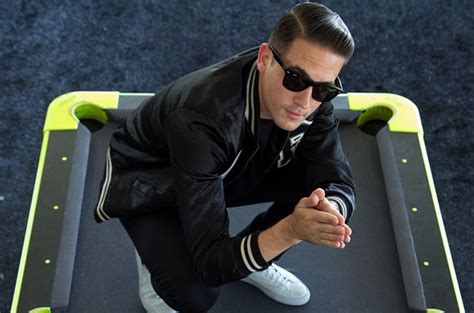 g easy hair style g eazy heading for no 3 debut on billboard 200 albums