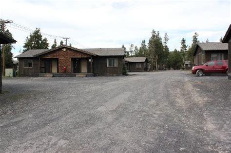 Faithful Snow Lodge Cabins by