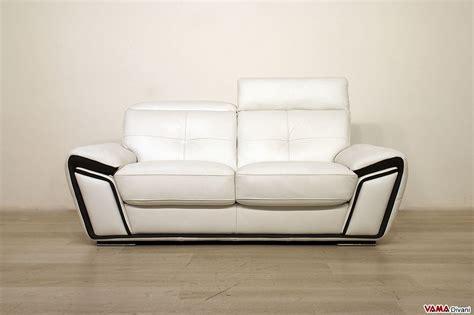 divani in pelle offerte offerta divano in pelle con poggiatesta vama divani