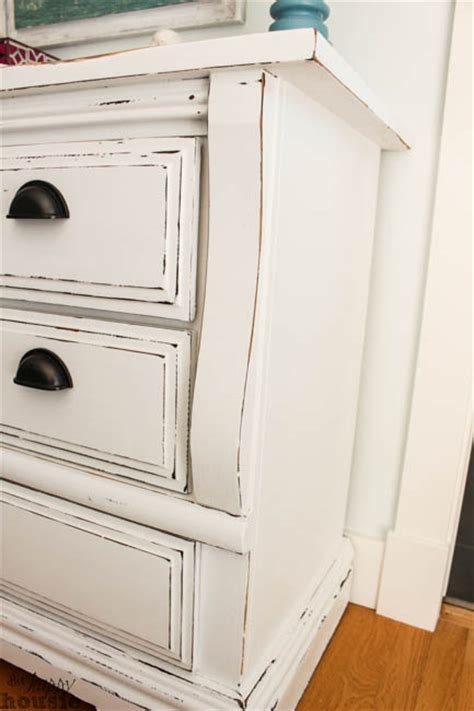 Paint A Dresser White by White Chalky Paint Dresser Makeover The Happy Housie