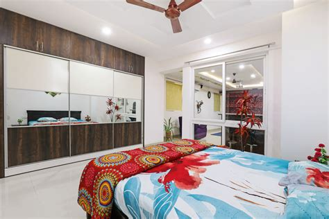 hyderabad apartment   delicious blend  indian