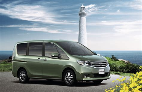 nissan caravan 2011 2011 nissan serena minivan makes its introduction in japan