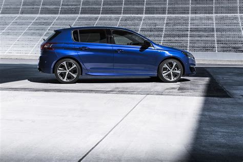peugeot ad peugeot uk s new 308 ad challenges the convetional car