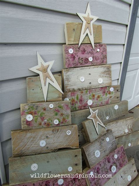 christmas decorations made from wood pallets hometalk pallet wood trees