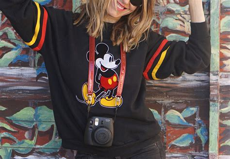 Limited Edition Pelung Ban Renang Mickey Mouse Swim Ring pretty connected x sunglass hut at disney pretty connected