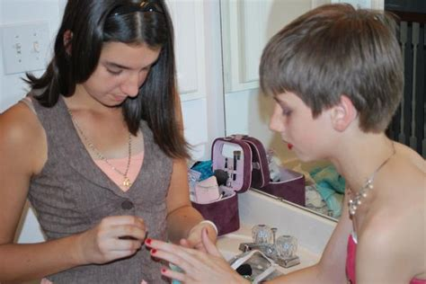 boy makeup like girl my sister s a big help when i want to dress up she s
