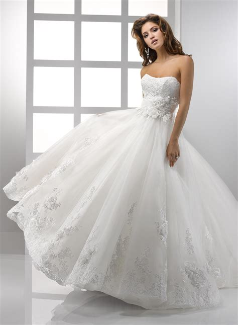 looking fabulous with ball gown wedding dresses