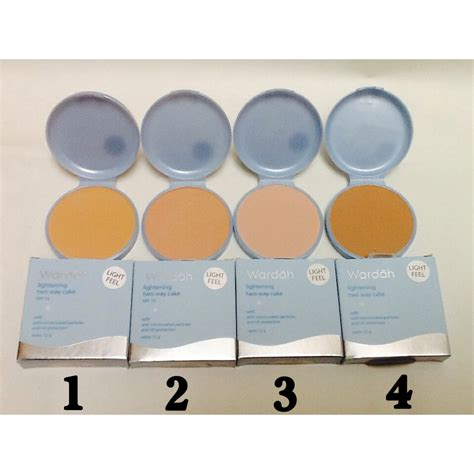 Bedak Wardah Leight Beige wardah refill lightening two way cake spf 15 toko
