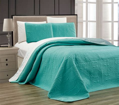 Turquoise Quilts Bedspreads Embossed Turquoise Medallion Reversible Bedspread Quilt Set