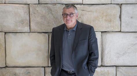 libro acento robinson el michael robinson recibe el premio manuel v 225 zquez montalb 225 n