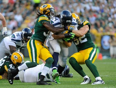 seattle seahawks beat green bay packers the packers will beat the seahawks in season opener