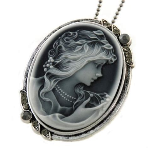 cameo pendant necklace vintage charm fashion