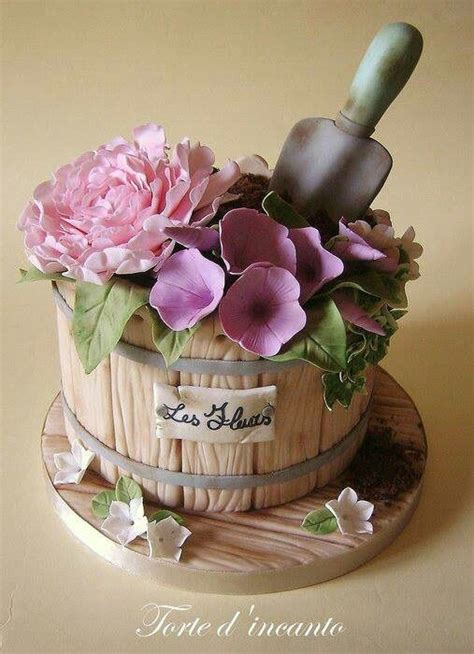 Flower Garden Cake Ideas 67401 25 Best Ideas About Retirement Cakes On Pinterest Retirement Clock Retirement And