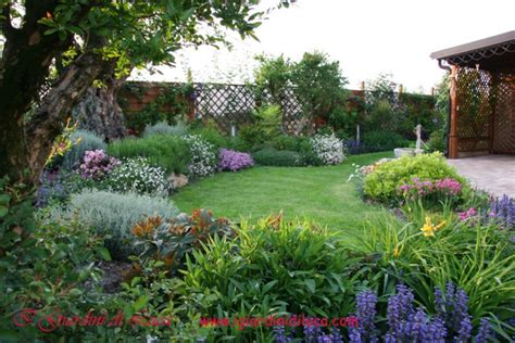 foto di piccoli giardini arredati casa con giardino verona vicenza casa moderna roma