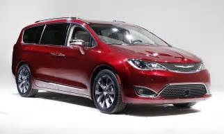 Minivan Chrysler Chrysler Lowers Price Of Pacifica Minivan Undercuts
