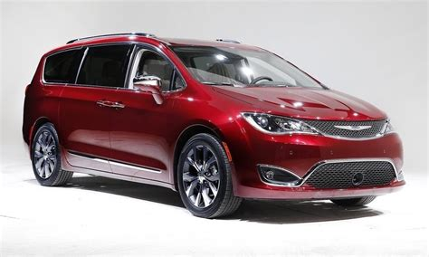 Chrysler Lowers Price Of Pacifica Minivan Undercuts