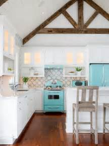 How Much To Stain Kitchen Cabinets 10 Decorating Ideas For A Coastal Kitchen
