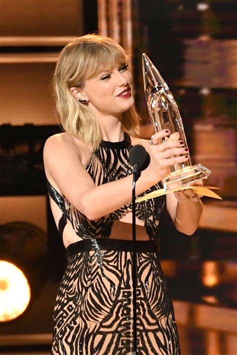 taylor swift taylor swift 50th annual cma awards in nashville 11 2 2016