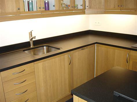 cuisine noir brillant frigo noir brillant 2017 et cuisine sur mesure en blanc