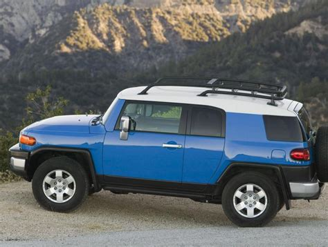 Toyota Fj Cruiser Specs The 25 Best Ideas About Fj Cruiser Specs On