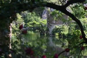 file ninfa gardens jpg wikimedia commons