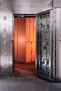 open bank vault clipart