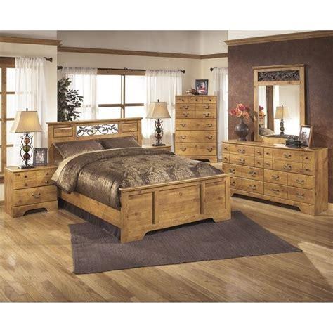 light brown bedroom furniture ashley bittersweet 6 piece wood queen panel bedroom set in