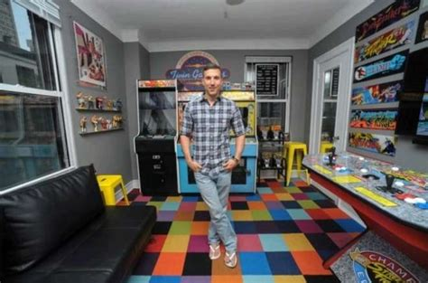 Spende 32mila Dollari Per spende 32mila dollari per trasformare la sua stanza in