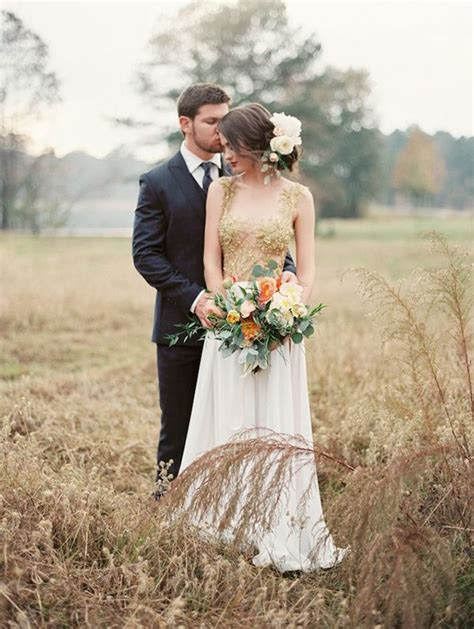 Wedding Picture Poses by 1000 Images About Unique Wedding Dresses On