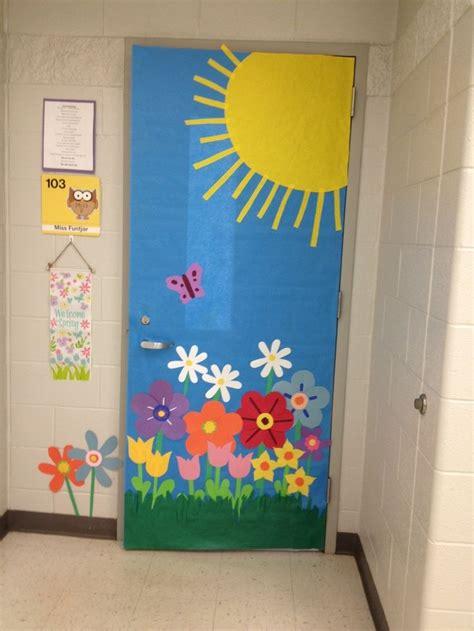 door decorating in school door decorations classroom images bulletin boards doors