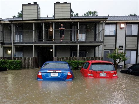 Help My Apartment Flooded In Houston Nearly 900 Are Rescued As Severe Flooding