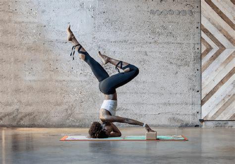 tutorial yoga sendiri 4 cara tetap sehat tanpa menguras kantong