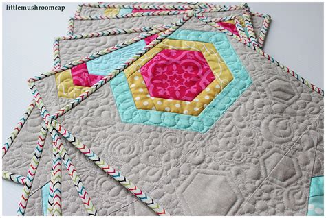 hexagon tutorial quilting sister of the divide all things hexi tutorials free