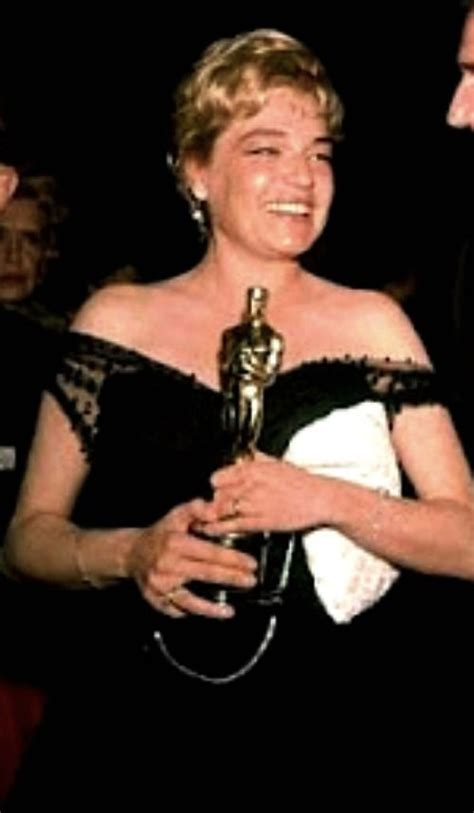 Oscar Winning Room Signoret Winning Oscar For Room At The Top