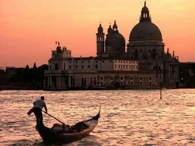 tassa di soggiorno venezia news venezia via libera alla tassa di soggiorno viaggi