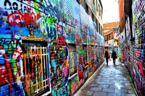 coolest street art   world