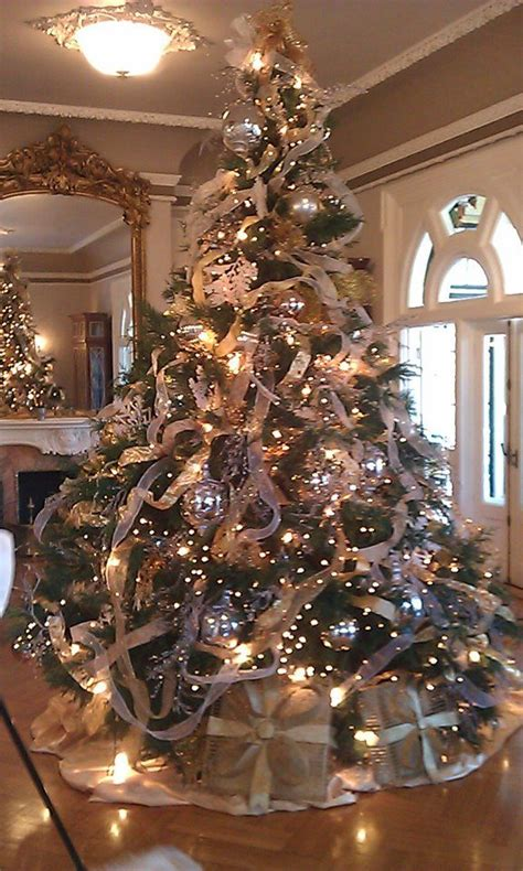 home decorated christmas trees 830 best christmas trees images on pinterest christmas